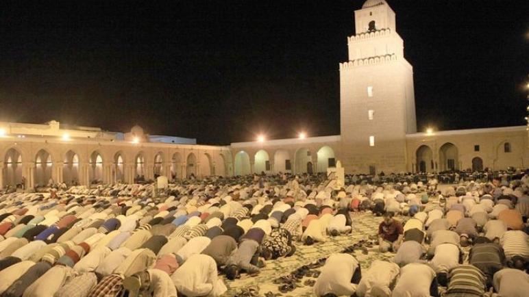 وزير الشؤون الدينية : هناك إمكانية لمنع صلاة التراويح خلال شهر رمضان المعظم