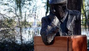ذكرى ميلاد: بابلو نيرودا.. استعادة أميركا اللاتينية بالشعر