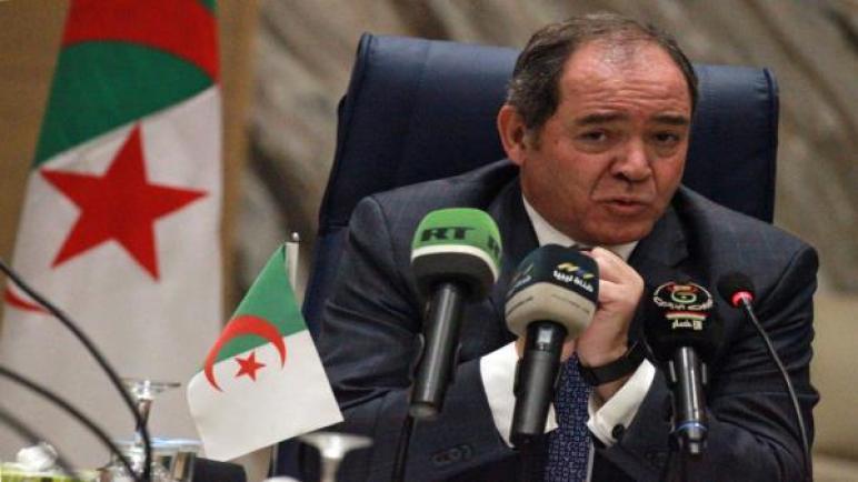 الجزائر تحدد موقفها من إعلان حفتر وتصر على حوار ليبي دون تدخلات
