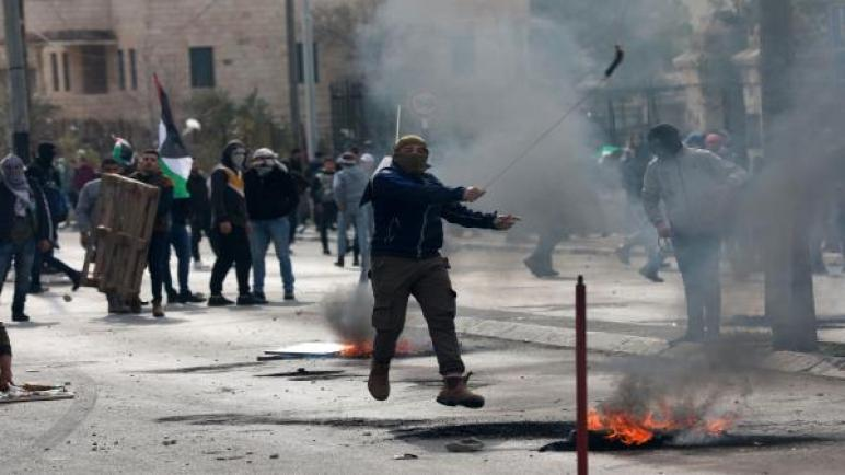 السفارة الأميركية في القدس المحتلة تحذر رعاياها من زيارة الضفة والقطاع