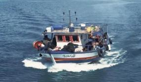 """انقاذ 12 تونسيا تعطل مركبهم في سواحل قليبية أثناء رحلة """"حرقة"""""""
