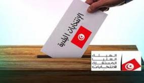 ناخب وحيد يدلي بصوته في اليوم المخصص للأمنيين والعسكريين ببلدية حاسي الفريد