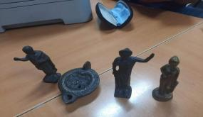 الرقاب: تفاصيل حجز عدد من القطع الاثرية الوطنية ذات جودة عالية لدى شخصين من تجار الاثار