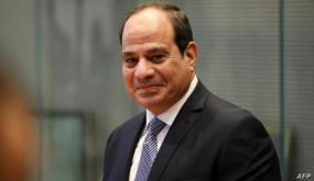 """السيسي للمصريين: """"كل مواطن في مصر هيطلب شقة هنديهاله"""""""