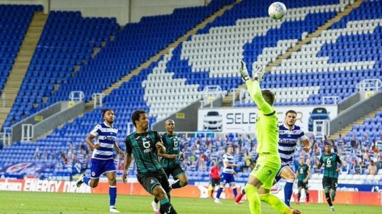 برنتفورد يهزم سوانزي بثلاثية ويتأهل للمباراة النهائية على الصعود للدوري الإنجليزي