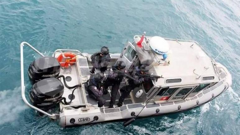 بعد العثور على شاب متشبثا بوعاء بلاستيكي في عرض البحر: جيش البحر يستأنف البحث عن تونسيين مفقودين في البحر منذ أربعة أيام