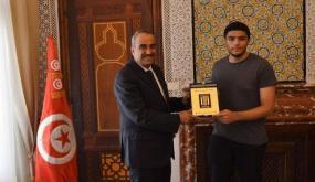 هاشم بن عبد الباقي، طالب تونسي متميز تتخاطفه الجامعات الفرنسية