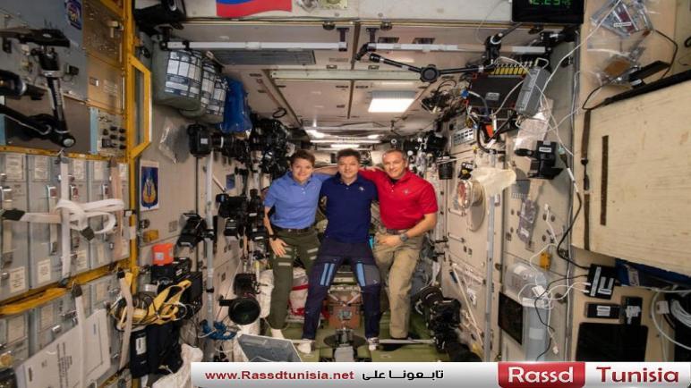 ثلاثة رواد يعودون إلى الأرض بعد 204 أيام في الفضاء