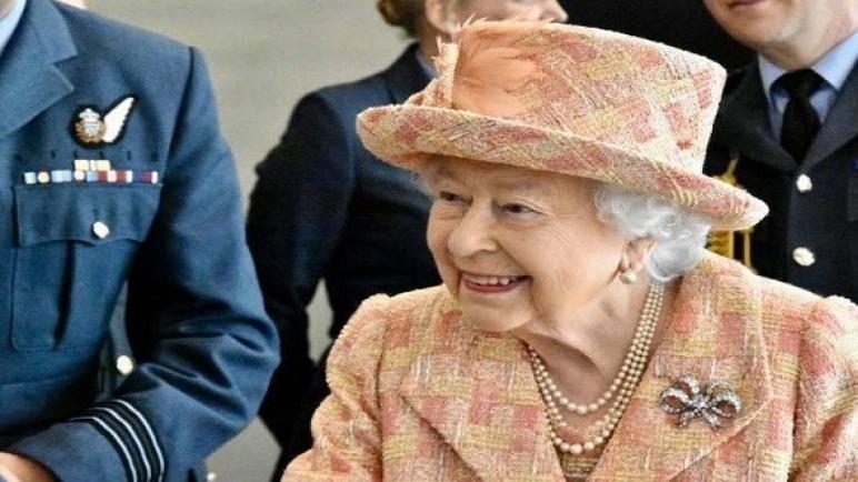 """تقارير تؤكّد أن عطلة الملكة إليزابيث في قلعة بالمورال """"قائمة"""""""