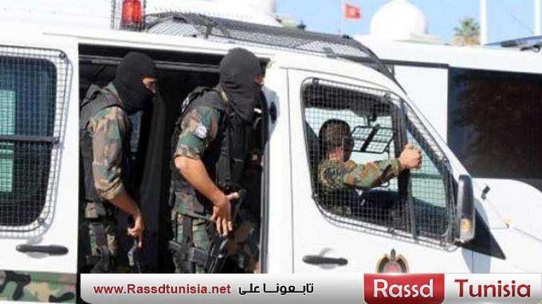ضبط شخص بصدد اجتياز الحدود الليبية التونسية خلسة