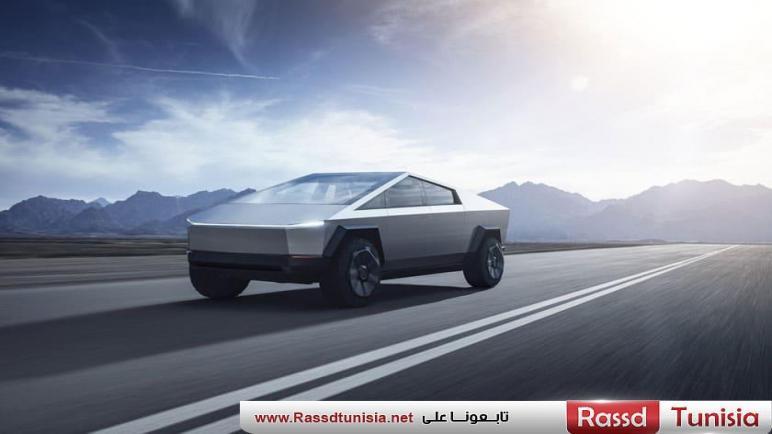 شرطة دبي تعلن عن إهتمامها بضم سيارة Tesla Cybertruck إلى أسطولها